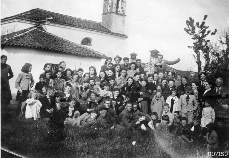 Foto di gruppo in loc.tà Marola