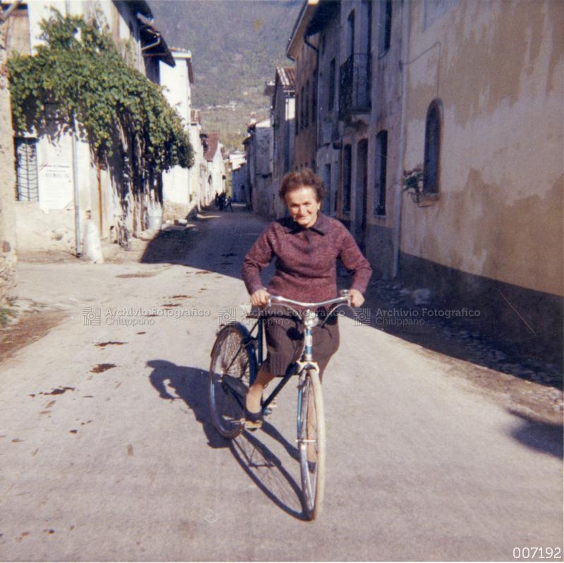 Ritratto in bicicletta di Panozzo Maria (Regi)