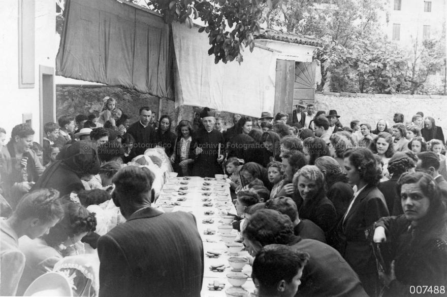 Comunione dei bambini del '42