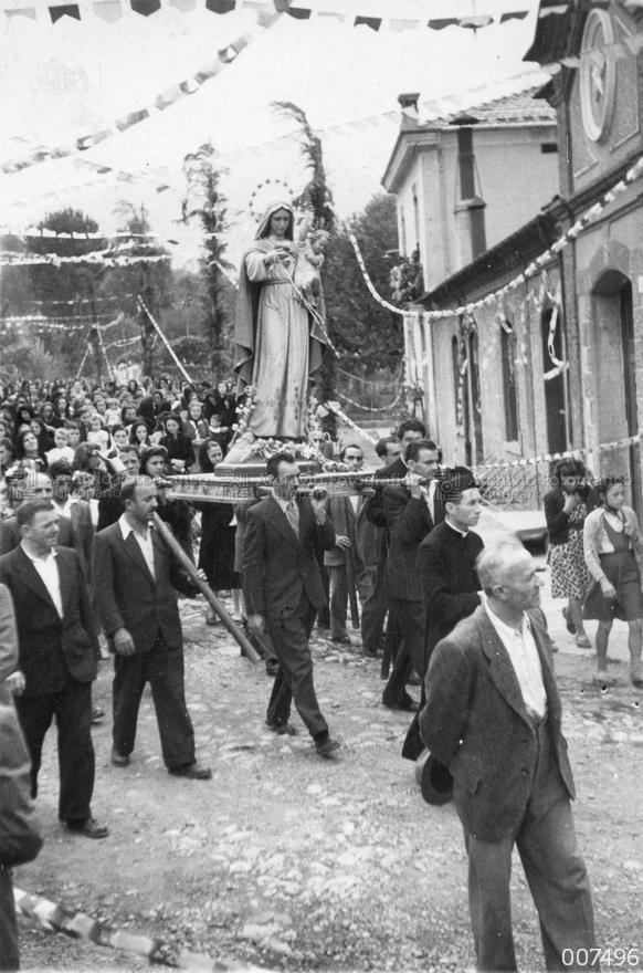Processione della Madonna pellegrina