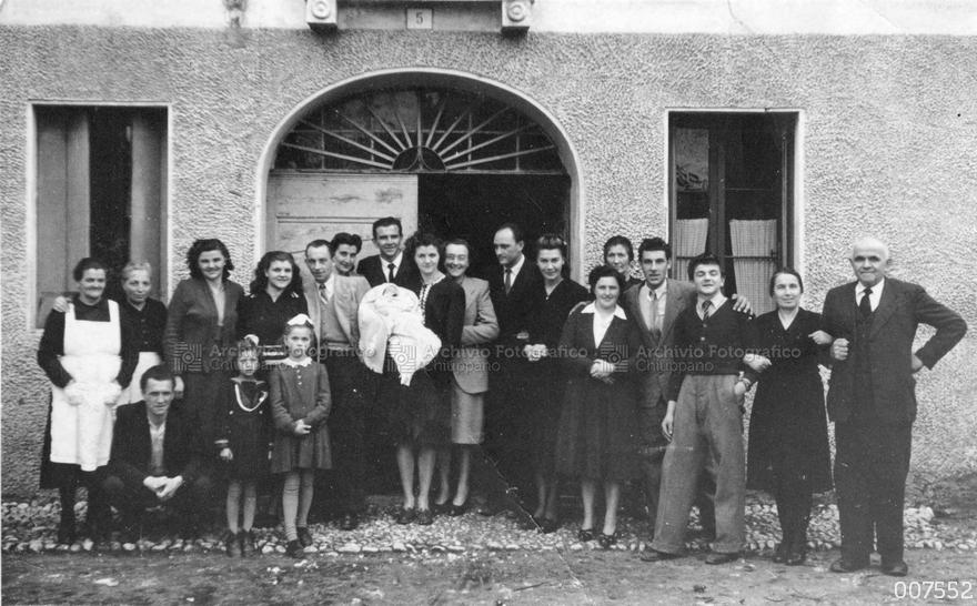 Foto di gruppo presso la Corte Rezzara