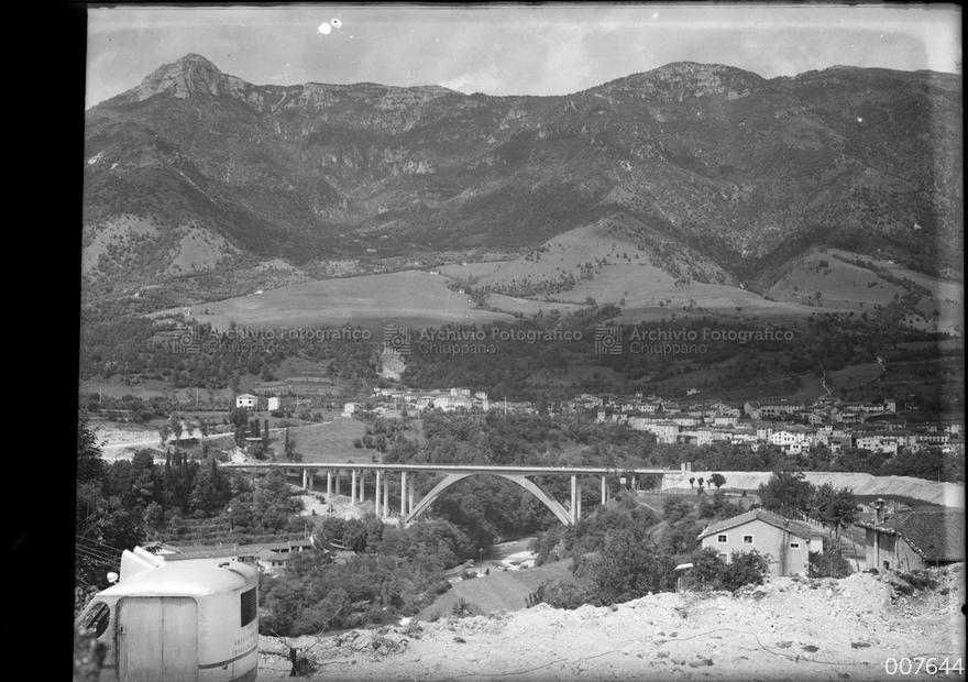 Veduta del ponte dei granatieri